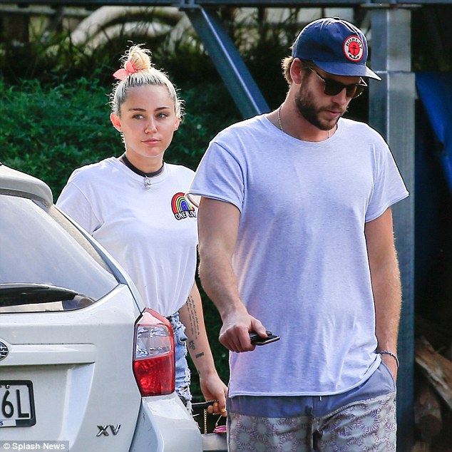 Miley Cyrus and Liam Hemsworth go to lunch with his parents in Byron Bay, amid rumors she wants to marry soon