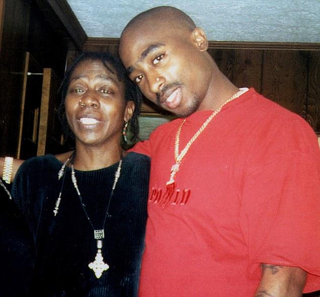 Rap legend Tupac's mother Afeni Shakur dies aged69 — Ushome | MailOnline